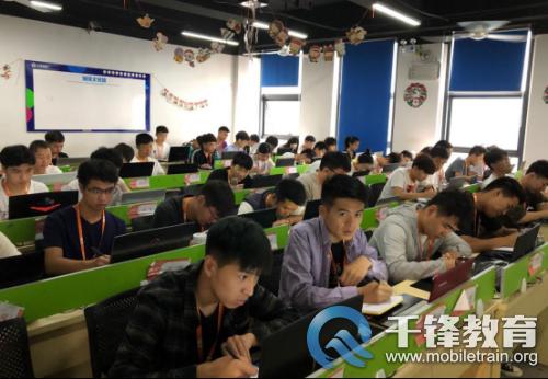 郑州-千锋动态-千锋郑州Java讲师组织模拟面试 提升学员面试成功率-杨岩岩746